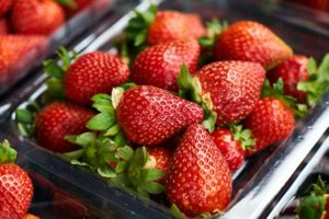 how do you make strawberries last longer in the refrigerator