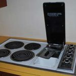 How to clean an electric stovetop